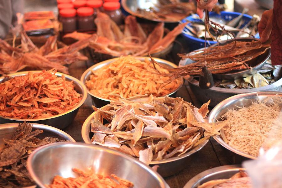 tai-o village market2