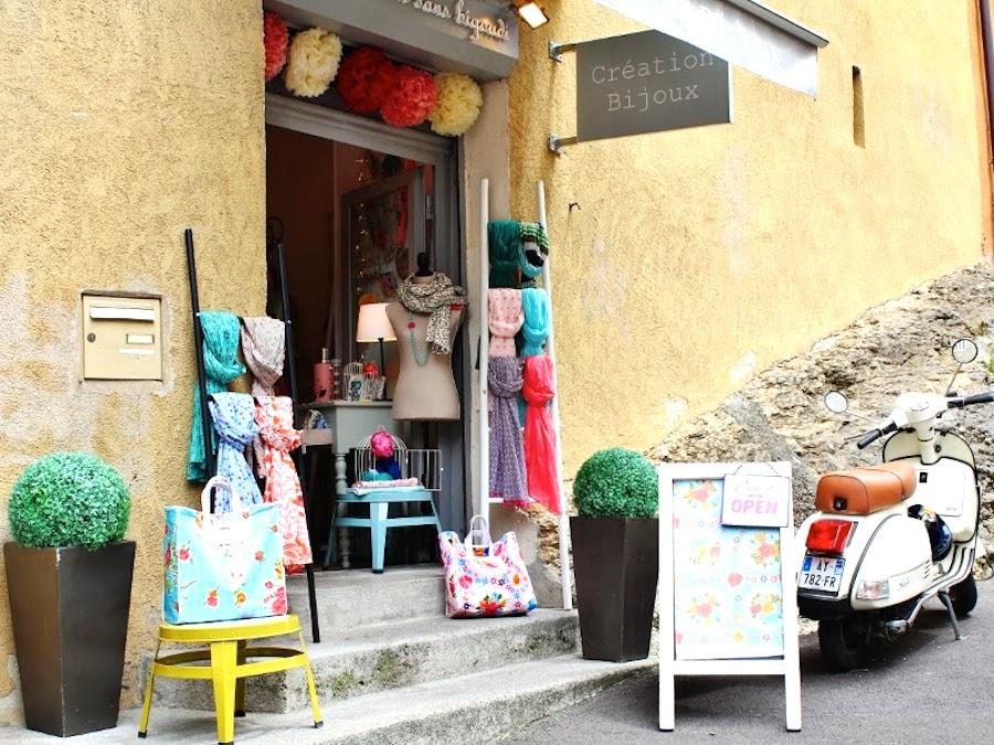 annecy shop1