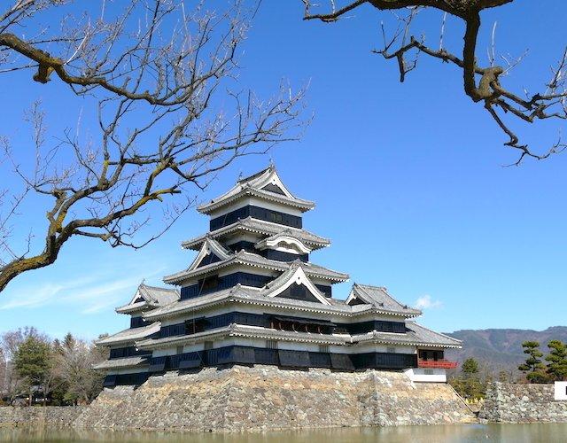 【長野】昼も夜も展望台からも楽しめる松本城
